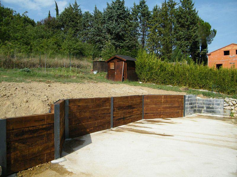 Mur de sout nement pour am nagement jardin en pente for Jardin en pente amenagement
